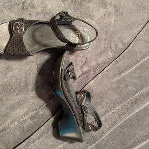Dansko size 38 black sandals